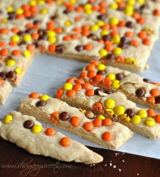 peanut-butter-reeses-pieces-shortbread-bars-4