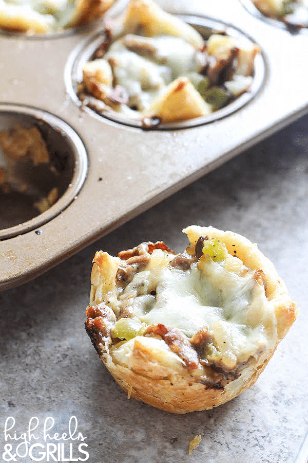 Philly Cheesesteak Cups - An easy dinner recipe that tastes so good! https://www.highheelsandgrills.com/philly-cheesesteak-cups/ ‎