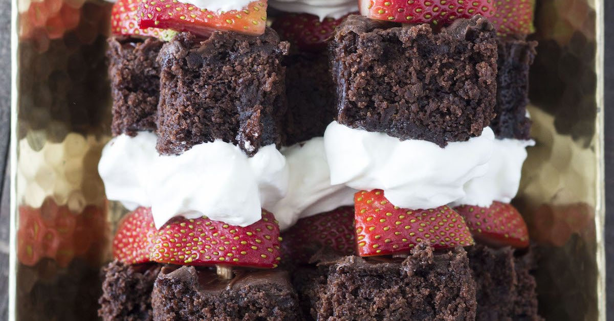 Strawberry Brownie Shortcake Kabobs - High Heels and Grills