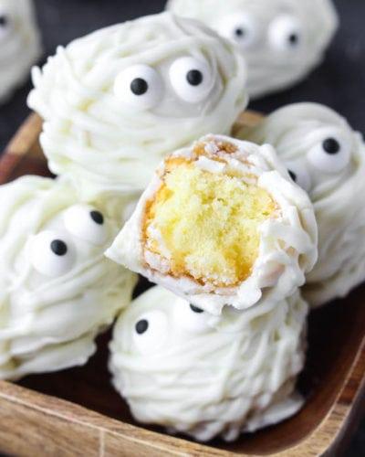 Easy Halloween Treat Donut Hole Mummies